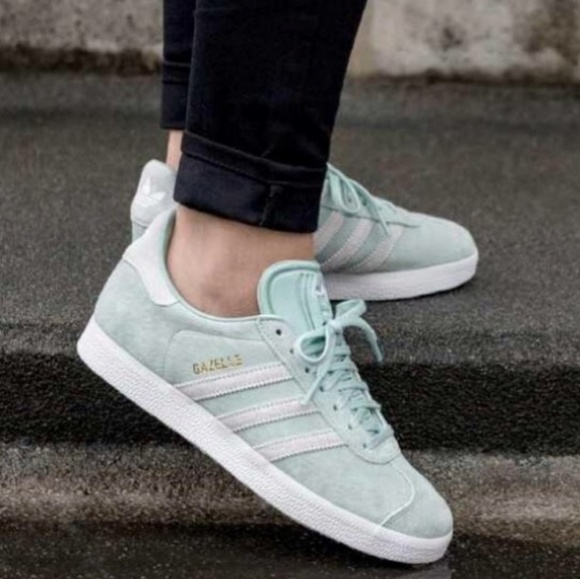 Woman Gazelle Rubber And Suede Sneakers Mint Size 4